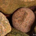 La boule dans un écrin de Granit Rose, Trégastel, HDR (5278-80)